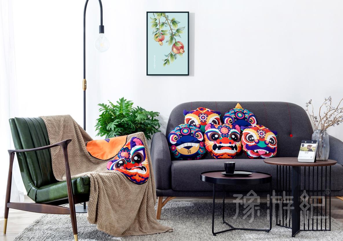 0147 祥瑞神兽系列毯枕